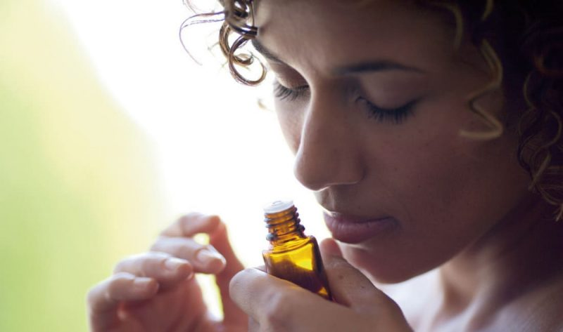 tinh dầu tràm điều hòa hơi thở