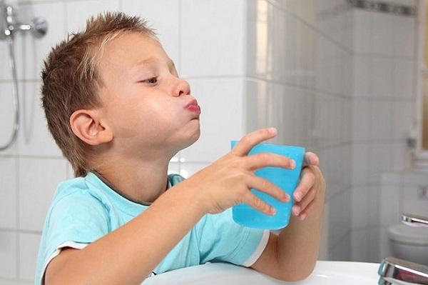 hướng dẫn sử dụng nước súc miệng - Dr.Muối