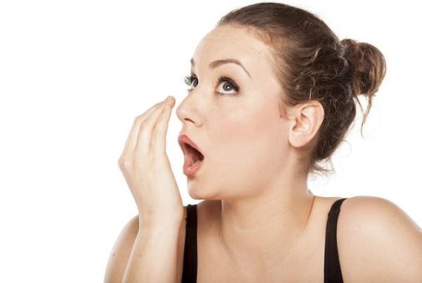 nước súc miêng chữa hôi miệng - Dr.Muối