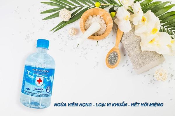 sử dụng nước súc miệng đúng cách - Dr.Muối