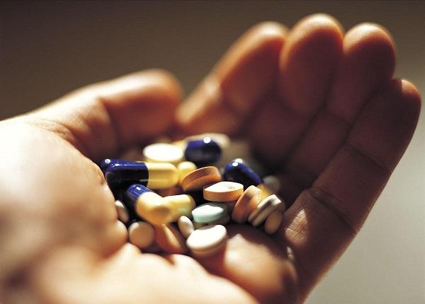 viêm lợi do tác dụng phụ của thuốc - Dr.Muối