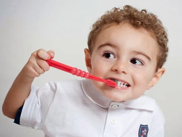 bị sâu răng ở trẻ em