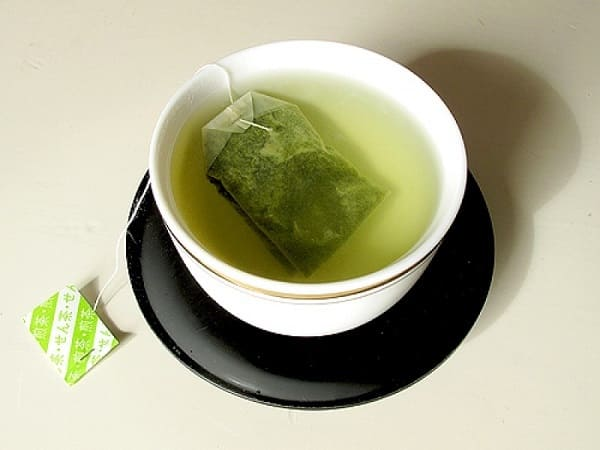 cách chữa viêm chân răng bằng túi trà