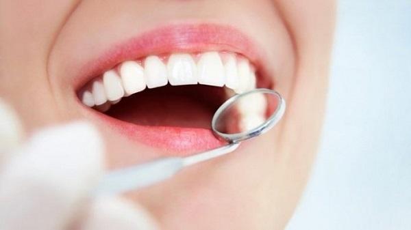 vệ sinh răng miệng