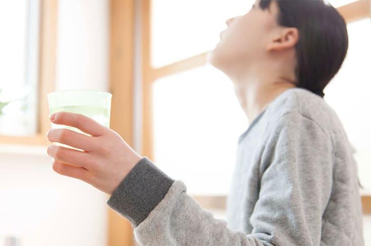 tinh dầu sả trị viêm lợi ở trẻ