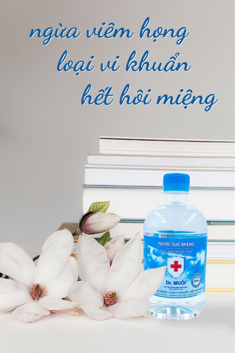 cho bé dùng nước muối chữa viêm họng
