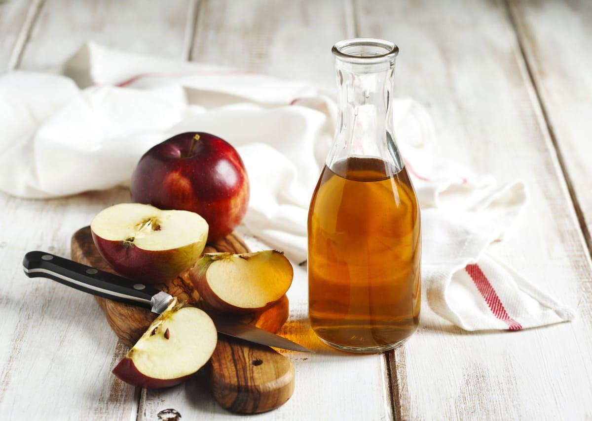 chữa viêm họng với dấm táo