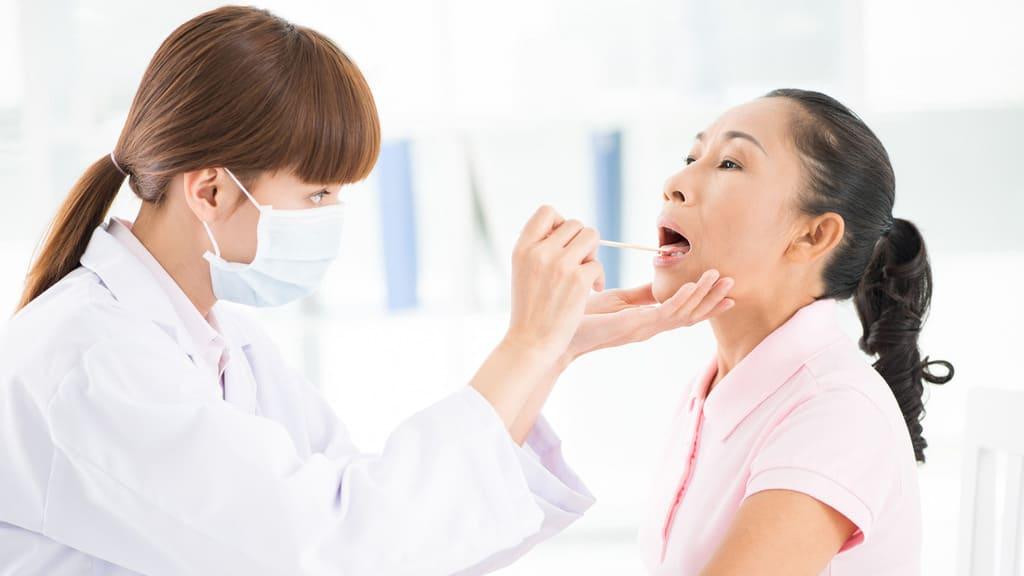 kiểm tra bệnh viêm họng