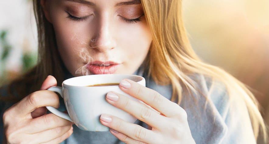 thưởng thức uống cafe đúng cách